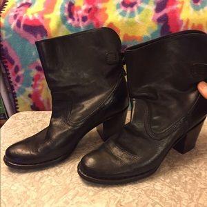 """Frye Lucinda ankle boot 2"""" heels 8.5"""